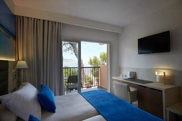 Superior Double with Sea Views Invisa Hotel Club Cala Blanca in Es Figueral Beach