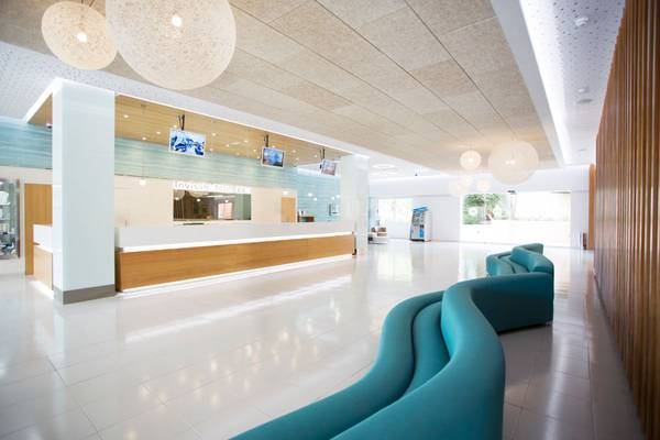 24 hours reception invisa hotel club cala blanca es figueral beach