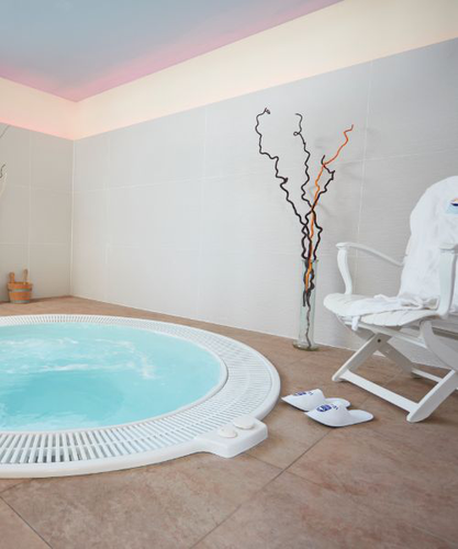 Hotel with Spa, Jacuzzi and Turkish Bath Invisa Hotels