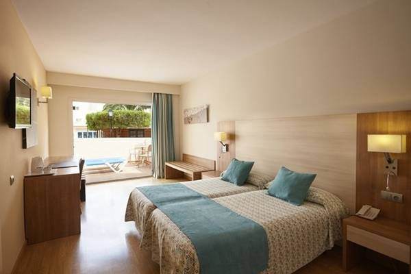 Junior Suite Invisa Hotel Club Cala Blanca in Es Figueral Beach