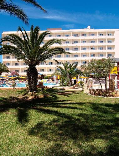 Invisa Hotel Ereso in Es Canar Beach